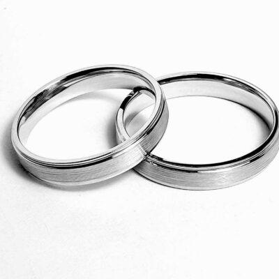 Платиновое обручальное кольцо с матовкой 4 мм арт 7165